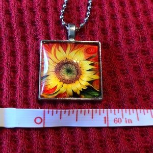 handmade-unbranded Jewelry - New Beautiful Sunflower pendant!
